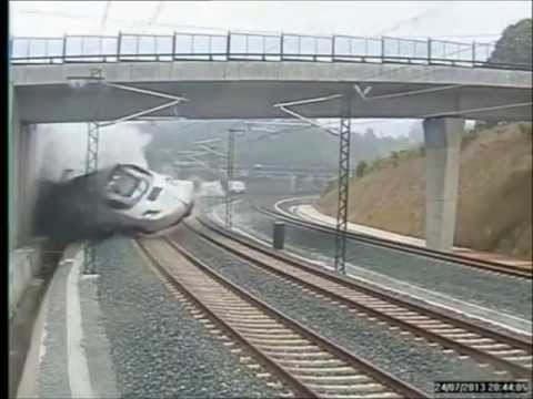 spaintraincrashcctvfootage accidentetrennearsantiagodecompostela Spain Train Crash: CCTV Footage   Accidente tren Near Santiago De Compostela